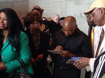 Jim signng programs